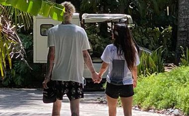 Megan Fox dhe Machine Gun Kelly shijojnë pushimet në resortin luksoz në Puerto Rico