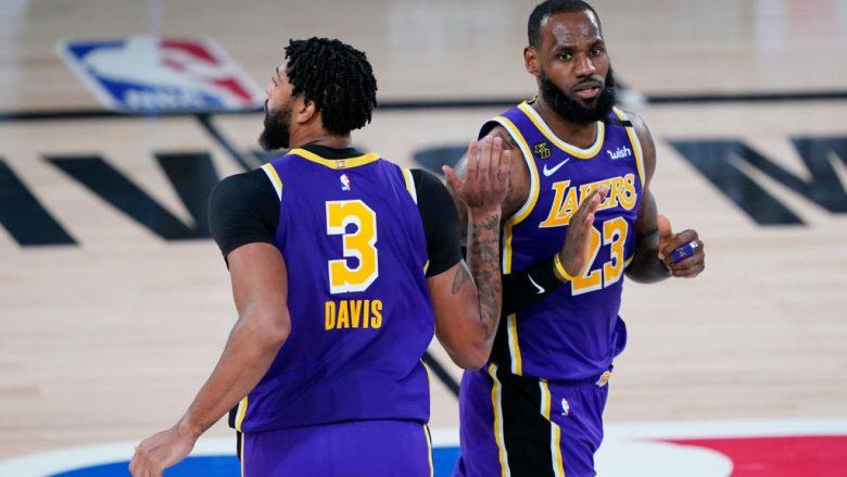 Anthony Davis dhe LeBron James. (Photo by Ashley Landis-Pool/Getty Images)