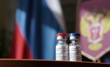 Mjekët rusë refuzojnë ta marrin vaksinën ruse kundër COVID-19