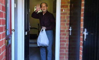 Kushdo që refuzon të vetë-izolohet në Angli do të gjobitet me 10 mijë funte
