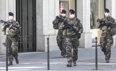Situata me pandeminë po del jashtë kontrollit, Britania e Madhe angazhon edhe ushtrinë