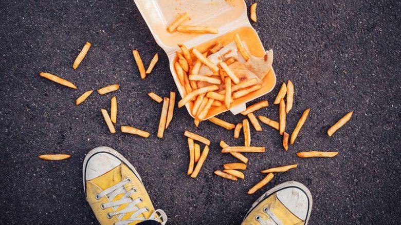 Nëse në afat prej pesë sekondash arrini të ngrini ushqimin nga dyshemeja, atëherë nuk do t'ju ndodhë asgjë: A është kjo e saktë?
