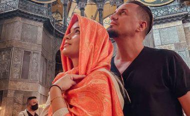 Blero dhe Afrona festojnë një vjetorin e martesës në Turqi