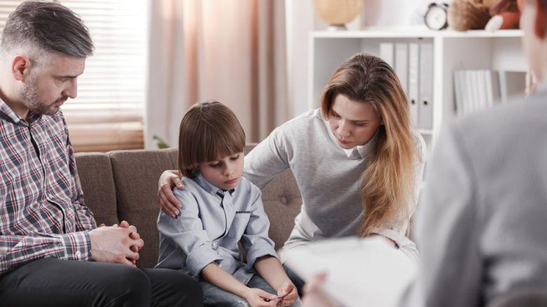 Si ta kuptoni që fëmijët tuaj po përjetojnë ankth ose depresion?