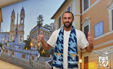 Pamje nga arritja e Muriqit në Romë, të hënën pritet t'u nënshtrohet testeve mjekësore te Lazio