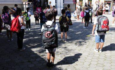 Mbi 250 nxënës dhe mësimdhënës të infektuar me coronavirus, 14 shkolla vazhdojnë mësimin online