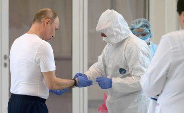 Putin po refuzon të vaksinohet me vaksinën ruse kundër COVID-19
