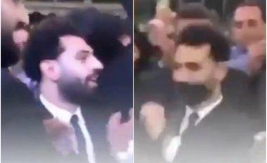 Yll brenda fushe, ashtu edhe jashtë saj – Mohamed Salah tregon talentin e tij edhe në vallëzim gjatë martesës së vëllait të tij