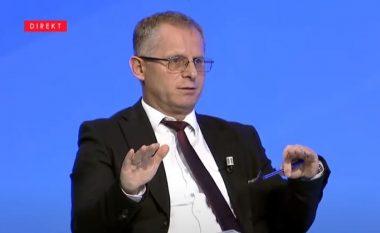 Bislimi jep alternativën e LVV-së ndaj 10% të Trustit të Hotit: 900 euro kredi pa interes për secilën familje në Kosovë