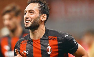 Milani takohet me agjentin e Calhanoglut për kontratën e re