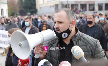 Protestojnë punëtorët e Telekomit pas bllokimit të xhirollogarive, kërkojnë përgjegjësi nga Qeveria