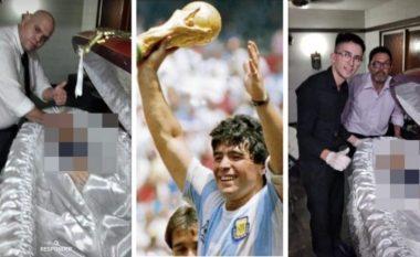 Bënë foto me trupin e pajetë të Maradonas - punonjësit e funeralit pushohen nga puna