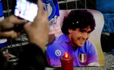 Kryebashkiaku i Napolit: Stadiumi San Paolo do të marrë emrin e Maradonas, populli dhe qyteti e do atë