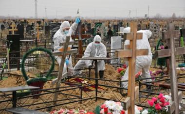 Rusia ka 120 mijë të vdekur nga COVID-19, të dhënat zyrtare janë katër herë më pak