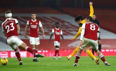 Arsenali mposhtet në shtëpi nga Wolvesi