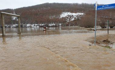 Evakuohen 6 familje në Drenas, si pasojë e vërshimeve