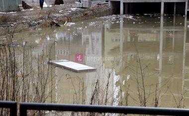 Qetësohet situata nga vërshimet në Fushë Kosovë, banorët presin kompensimin e dëmeve