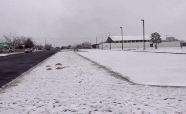 Pse është shumë ftohtë në Teksas?