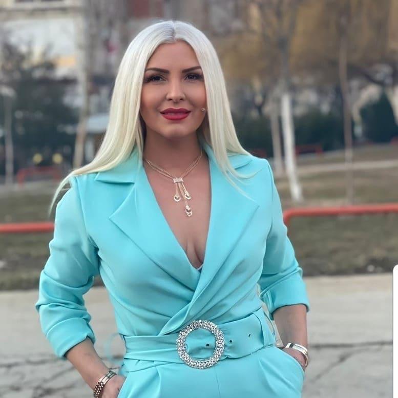 Mihrije Braha rikthen në kujtesë rastin kur një biznesmen shqiptar i ofroi  një milion dollarë për të kaluar një natë me të në një ishull -  PrizrenPress - Portal informativ