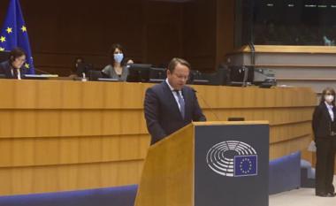 Komisioneri i Zgjerimit të BE-së, Varhelyi ka tri mesazhe për Qeverinë e Kosovës