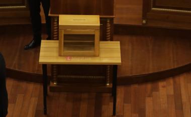 LIVE: As në votimin e dytë nuk sigurohen votat, Kuvendi shkon në pauzë 30 minuta