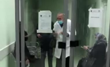 Suspendohet nga puna doktori nga Podujeva që refuzoi pacientin e moshuar