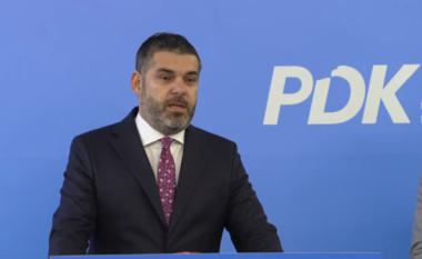 Deputeti i PDK-së Adrian Kastrati, ofendon Osmanin për peshën nëpërmjet vargjeve të Konicës