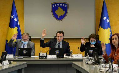 Kurti: Filloi fundi i zhvatjes përmes homologimit, është në duart e deputetëve ndryshimi i Ligjit për Automjete