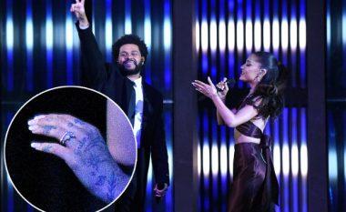 "Ariana Grande shfaq unazën e martesës në ""iHeartRadio Music Awards 2021"""