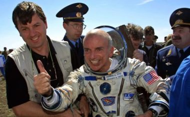 Pas njëzet vitesh rrëfehet njeriu i parë që shkoi për pushime në hapësirë