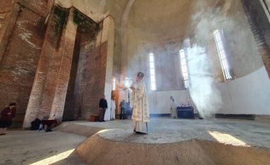 Për herë të parë pas luftës, serbët kryejnë ritet fetare në kishën që ndodhet në oborrin e kampusit të Universitetit të Prishtinës