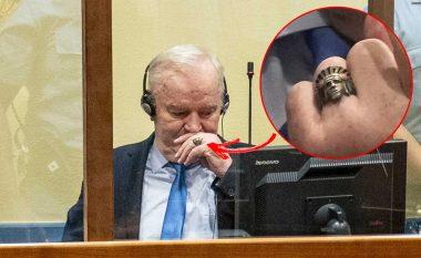 Sekreti i unazës së Ratko Mlladiqit, e barti tërë jetën - e kur shkoi në Hagë ia dorëzoi të birit