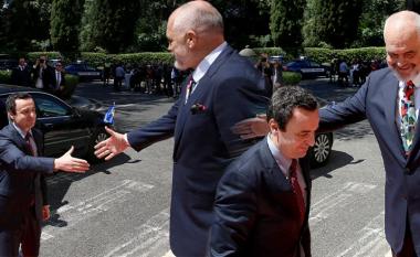 Pamje e nga takimi i Edi Ramës me Albin Kurtin në Samitin e Krerëve të Ballkanit