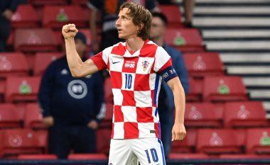 Notat e lojtarëve: Kroacia 3-1 Skocia, shkëlqimi i Modric