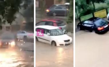 Shiu i dendur përmbyt rrugët e Prishtinës