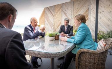 Gjermania ka regjistruar të paktën 42 të vdekur shkaku i përmbytjeve - Merkel po e vazhdon vizitën në SHBA