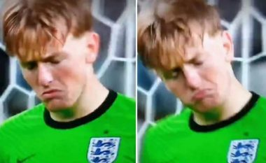 Kamerat kapën momentin kur Pickford filloi të fliste me veten, pas mbrojtjes së penalltisë të Jorginhos