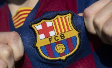 Barcelona vë në shitje tre lojtarë