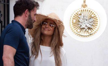 Ben Affleck i dha Jennifer Lopez një gjerdan kuptimplotë për ditëlindjen e saj