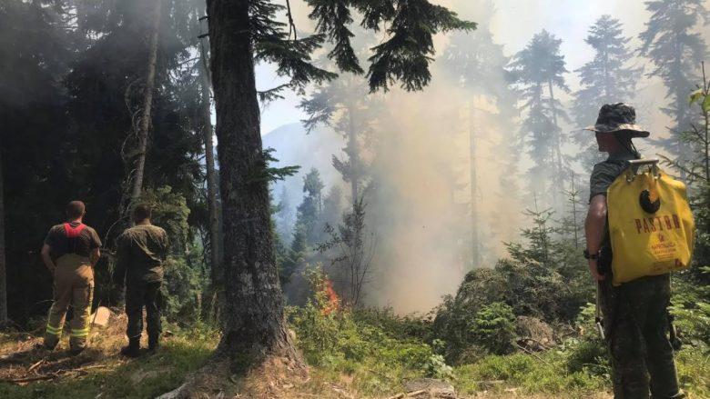 Shtupeqi i Pejës vatra më serioze e zjarreve, KFOR-i angazhon disa helikopterë