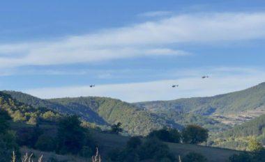 Helikopterët e ushtrisë serbe fluturuan pranë kufirit me Kosovën, eksperti i sigurisë e konsideron tentim agresioni