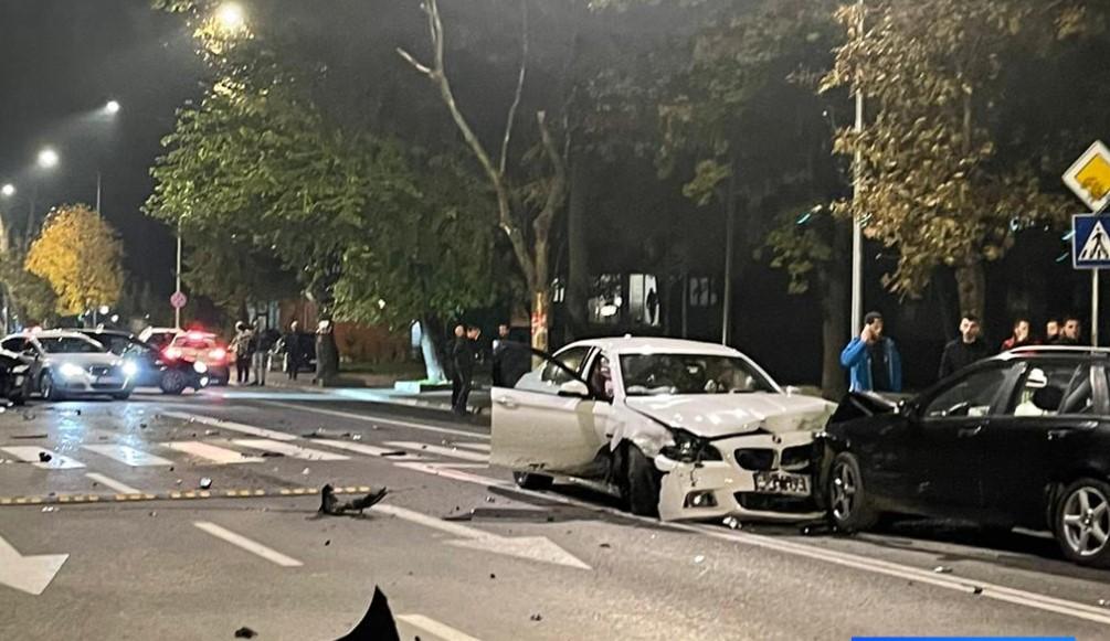 Aksident i rëndë në Çair të Shkupit, janë përfshirë pesë makina