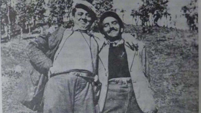 Enver Hoxha dhe Dushan Mugosha (foto e vitit 1942)